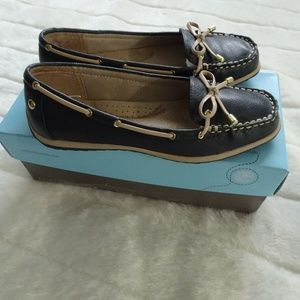 Woman's Life Stride Soft System 6.5 Navy Loafer